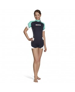Rash guard shorts she dives...